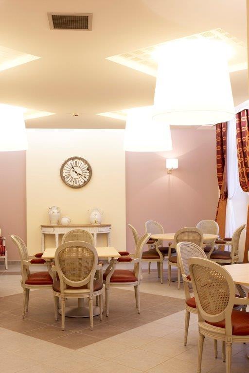 Villae mobilier et d coration ehpad et maisons de retraite for Decoration externe maison